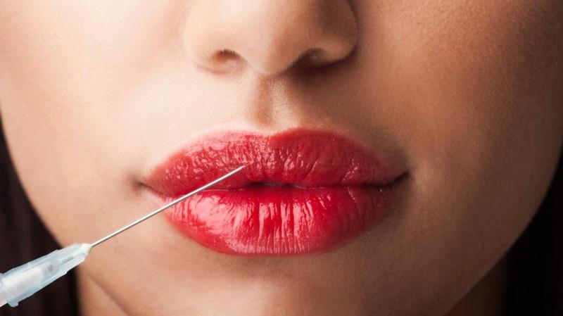 Средство с гиалуроновой кислотой для губ