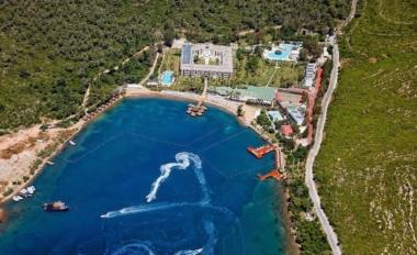 Crystal Green Bay Resort 5