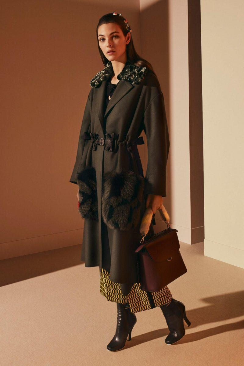 54205cce137 «Хищный» принт снова в авангарде моды. Его для своих творений выбрали мэтры  домов Roberto Cavalli