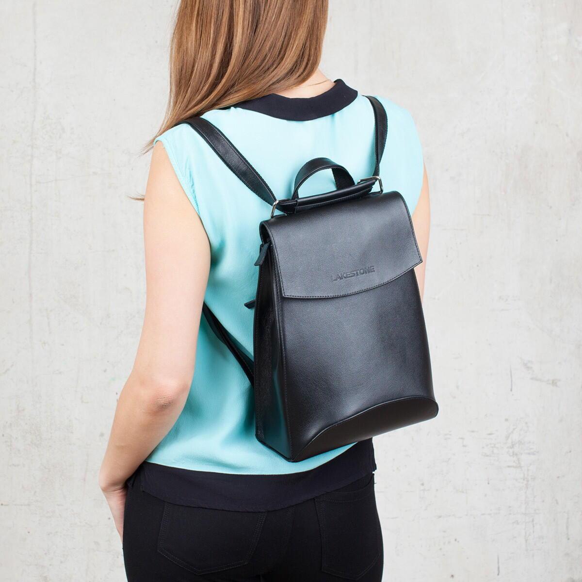 В летнем сезоне-2017 стали популярными мини-рюкзаки. Девушки стали  использовать их вместо маленьких сумочек и клатчей для вечеринок и выходов  в свет. f095235bf93